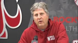 Mike Leach tears into his team
