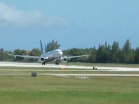 Plane spotting Cayman Islands! United B737-9 Takeoff! 16/2/2013