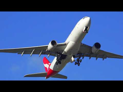 Strong Wind day at Sydney Airport - Runway 25