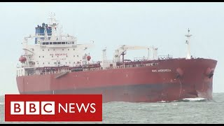 "Special forces storm tanker off Isle of Wight to end ""suspected hijacking"" - BBC News"