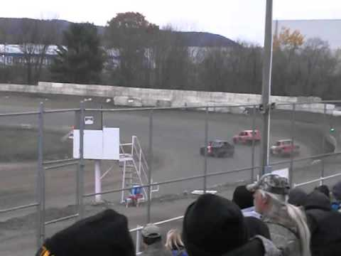 5 Mile Point Speedway - 4 cyl feature ending 10/31/15