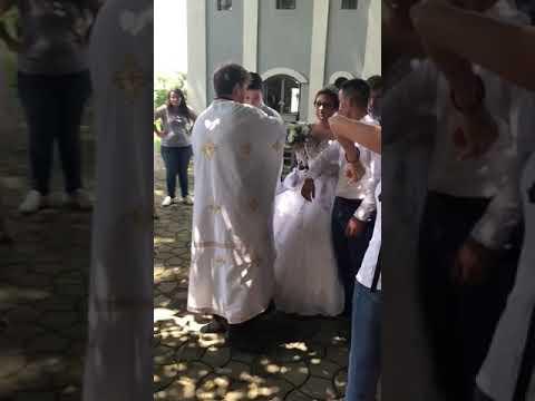 Nije video cerku 4 godine, posle 4 godine napravio iznenadjenje za svadbu