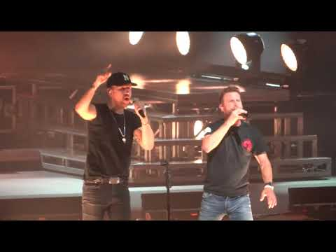 Dierks Bentley & Brothers Osborne Burning Man AZ 9 29 18
