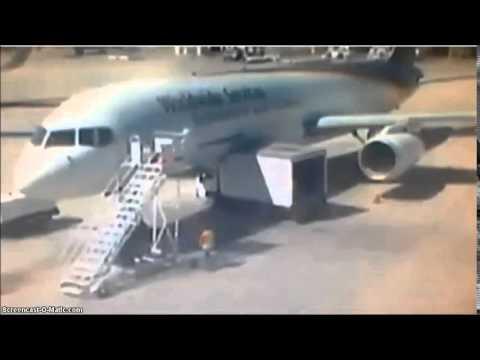 """Авария в """"Борисполе"""": грузовик столкнулся с самолетом - Цензор.НЕТ 2786"""