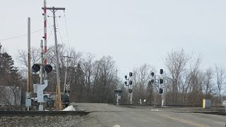 Live CSX and Norfolk Southern  Trains Meet Live