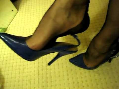 Black FF stockings and slingbacksKaynak: YouTube · Süre: 1 dakika30 saniye