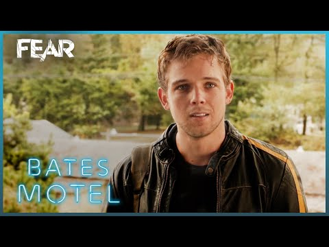 Dylan Arrives In White Pine Bay | Bates Motel