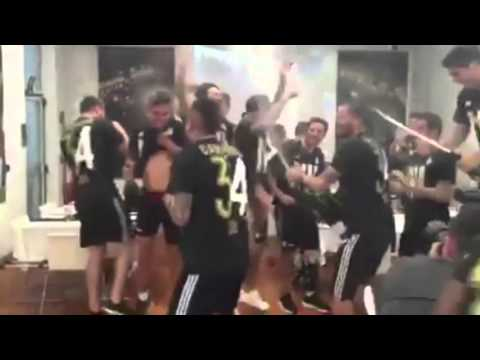 Juventus players celebrating the serie a title! juventus champions!