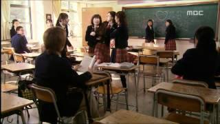 Download 예측불허 황실입궁기 [궁] Princess Hours 신과 효린의 스캔들 기사에 온통 술렁이는 학교 Mp3 and Videos