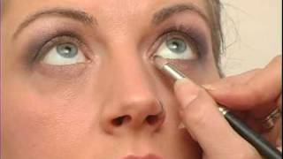 How to Put on Makeup : Eye Liner for Evening Makeup