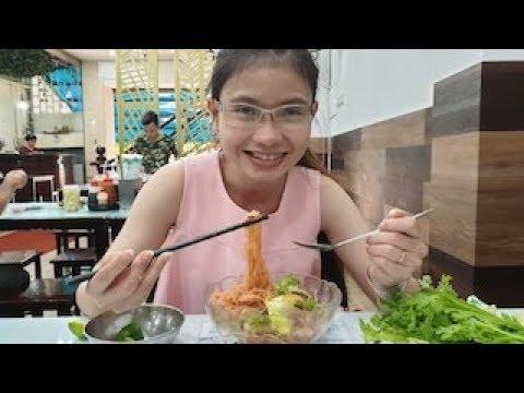Quán hủ tiếu giá không hề rẻ, người Sài Gòn vẫn rủ nhau đến ăn – Street Food