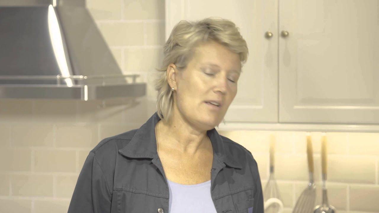 Water besparen in de keuken door waterbesparende kranen. youtube