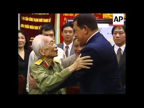 Venezuela's Chavez wishes Castro fast recovery from surgery, meets general