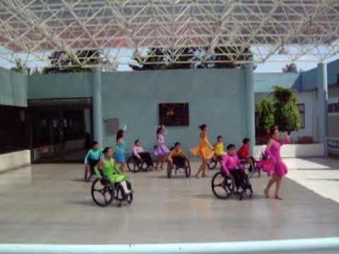 Baile en silla de ruedas ni os youtube - Silla de ruedas ninos ...