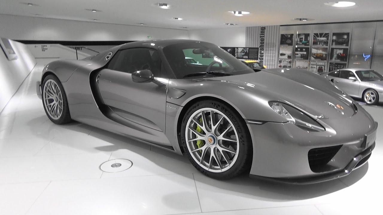 porsche 918 spyder 310 porsche museum stuttgart youtube. Black Bedroom Furniture Sets. Home Design Ideas