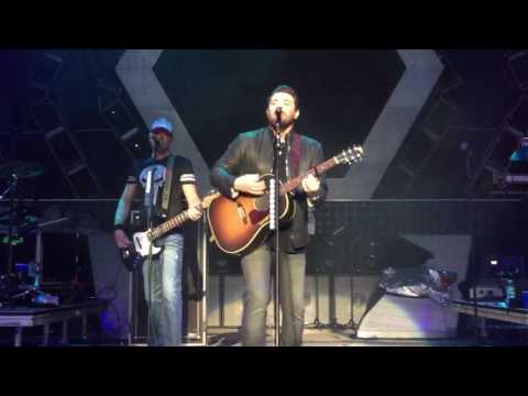 Chris Young - Lonely Eyes - Northwell Health Jones Beach Theater 6/4/17