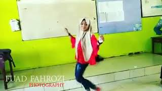 Video Cewek berkrudung training dance hala station top 10 download MP3, 3GP, MP4, WEBM, AVI, FLV Juli 2018