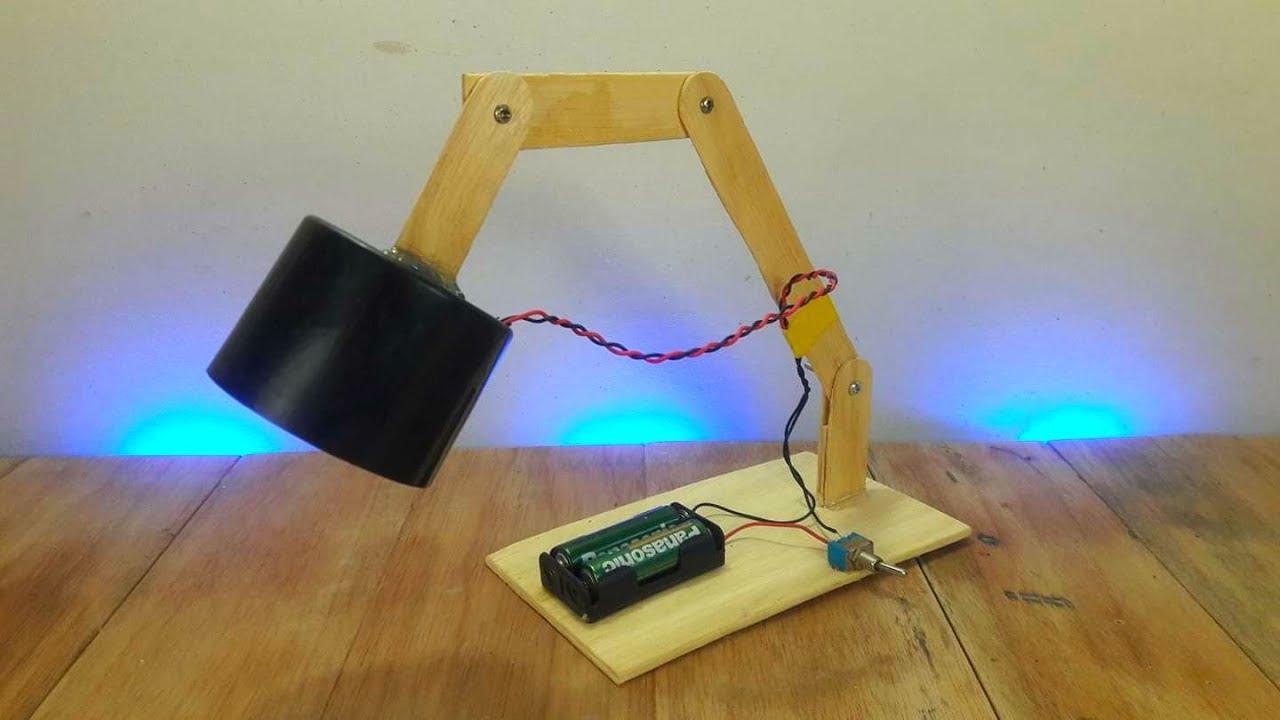 Cómo Hacer Una Lámpara de Escritorio Casera - DIY