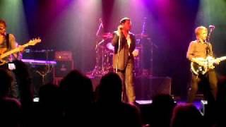 """Gambar cover Tony Hadley of Spandau Ballet covers """"Somebody Told Me"""" by the Killers, 8/13/2011 NYC"""