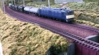 EF64 0番代 貨物列車