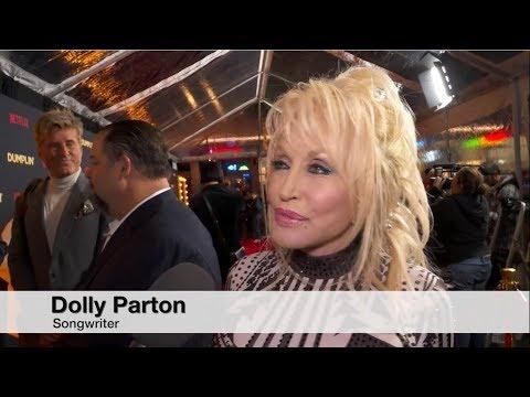 Dumplin' Premiere - Jennifer Aniston, Dolly Parton Mp3