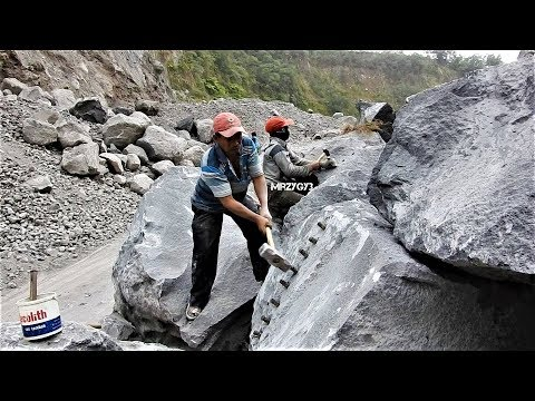 AWESOME !!! Massive Rock Splitting Using Grass Weed And Hand Chisel Hammer