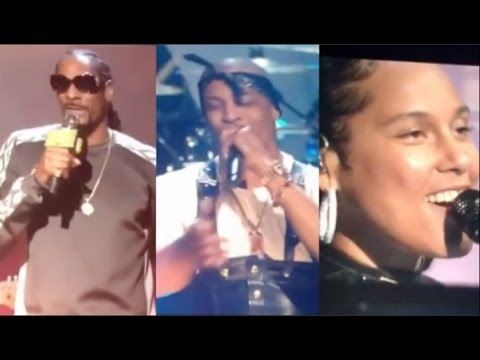 Snoop Dogg, T.I., Alicia Keys, and Treach performs tribute to Tupac (Rock & Roll Hall of Fame)