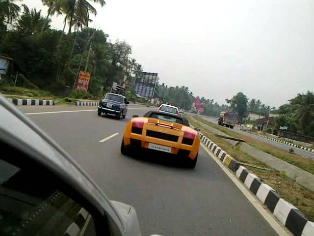 Lamborghini Chased By I20 At Chalakkudi Hd Clip Fail