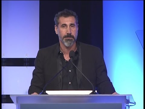 Serj Tankian talks about Chris Cornell - HRW's Annual Dinner 2017