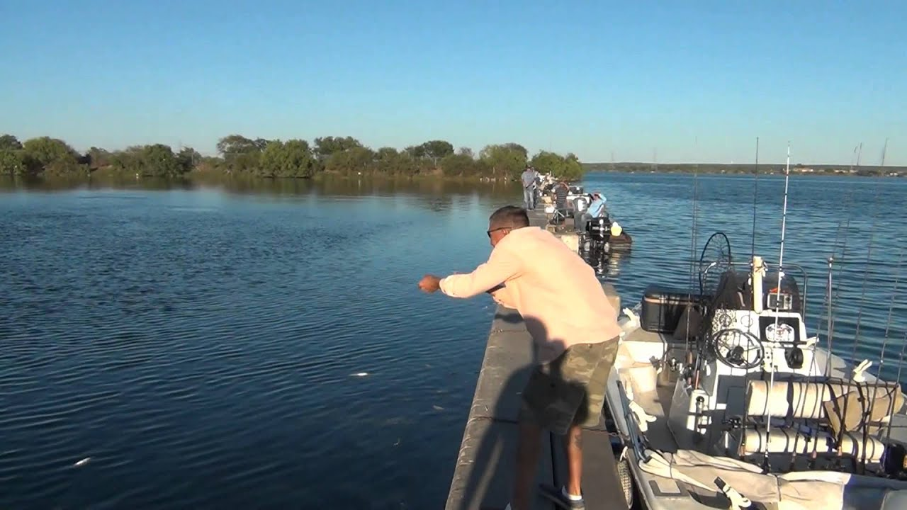 Hand line fishing for redfish the wall calaveras lake for Calaveras lake fishing guides