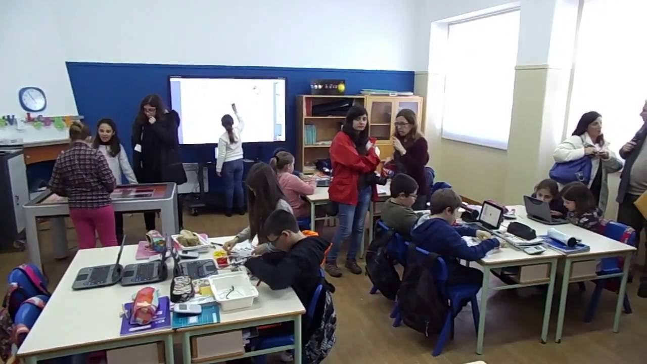 Modern Classroom With Students : Elementary school of ferrel modern classroom youtube