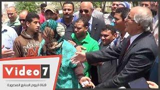 """""""محافظ القاهرة"""" يسلم موتوسيكلات لذوى الاحتياجات الخاصة.. وهتافات: """"تحيا مصر"""""""
