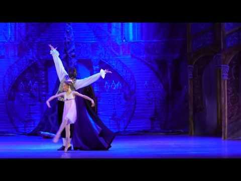 """Детский балет """"Щелкунчик"""". Сцена волшебства"""