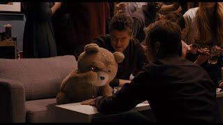 "Третий лишний - Сцена 10/12 ""На вечеринке Флэша Гордона"" (2012) HD"