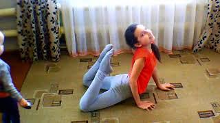 Моя гимнастика колесо, перевороты, разминка.My gymnastics wheel, coups, warm-up.