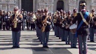 La Banda musicale della Polizia di Stato in piazza del Duomo a Milano