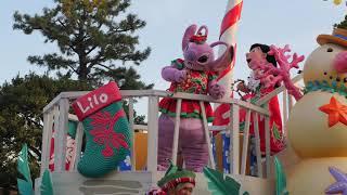 東京ディズニーランドで2019年に開催されているクリスマスのパレード「ディズニー・クリスマス・ストーリーズ」 ウエスタンランドで停止するス...