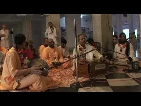 Mayapur Bhajans - Hare Krishna - 4/6