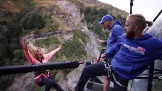 # Банджи-джа́мпинг -  экстремальный отдых !!!(Банджи-джа́мпинг (англ. bungee jumping) — широко распространённый в мире аттракцион, часто называемый у нас «тарз..., 2015-05-07T11:15:13.000Z)