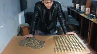 Трехлитровая банка наполненная монетами 100 тенге