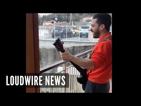 Quarantined SLAYER Fan Plays 'Raining Blood' From Balcony