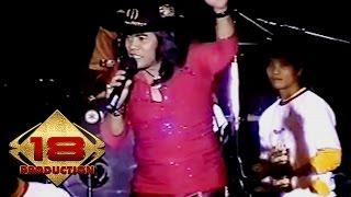 Video DANGDUT KOPLO !! SUARA MIRIP ALAM NYANYIKAN MBAH DUKUN..' (Live Konser Kalbar 2006:) download MP3, 3GP, MP4, WEBM, AVI, FLV Januari 2018