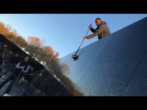 Ryan Zinke helps clean Vietnam Veterans Memorial