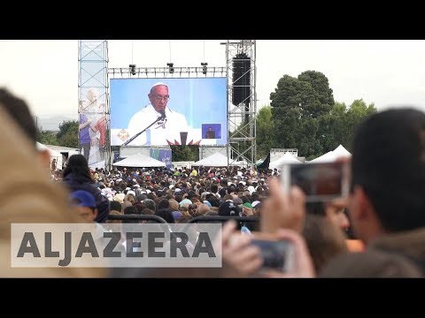Pope Francis urges Colombia to stick to peace after FARC deal