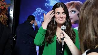 Gambar cover Idina Menzel on her FROZEN 2 Mom (Evan Rachel Wood), the new anthemic songs, and her holiday album