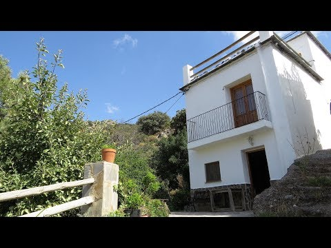 Torvizcon. Detached Village House with wonderful views of the Sierra Nevada.