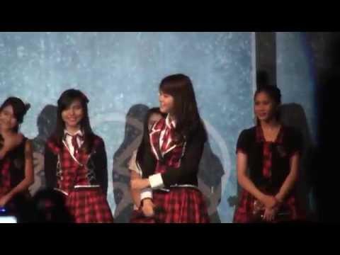 [FANCAM] JKT48 Flying Get Handshake Festival Final stage performance!