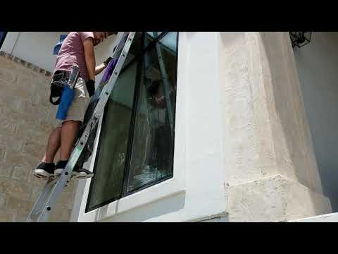 A 30 minute window cleaning in :43 seconds