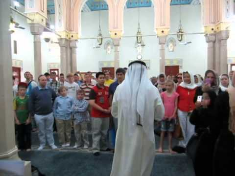JUMEIRAH MOSQUE, DUBAI: CALL TO PRAYER DEMONSTRATION