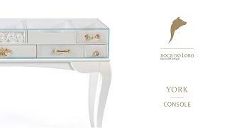 The York Console by Boca do Lobo